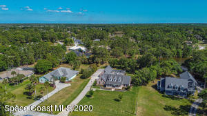 5670 Bob White Trail, Mims, FL 32754