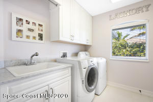 300 LANSING ISLAND DRIVE, SATELLITE BEACH, FL 32937  Photo
