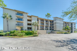 HIGHLY DESIRED COMPLEX...SHORT WALK TO DOWNTOWN