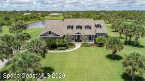 One level exquisite home. 1.45 acres. UNDERGROUND UTILITIES. CITY WATER.