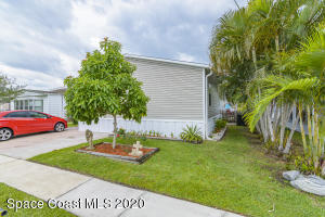 1818 S Mango Street NE, Palm Bay, FL 32905