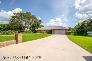 1635 Country Cove Circle, Malabar, FL 32950