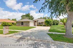 1035 Oak Tree Place, Malabar, FL 32950