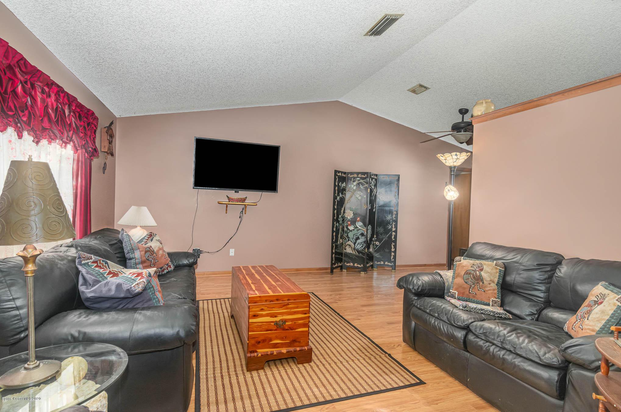 Image 3 For 6430 Addax Avenue