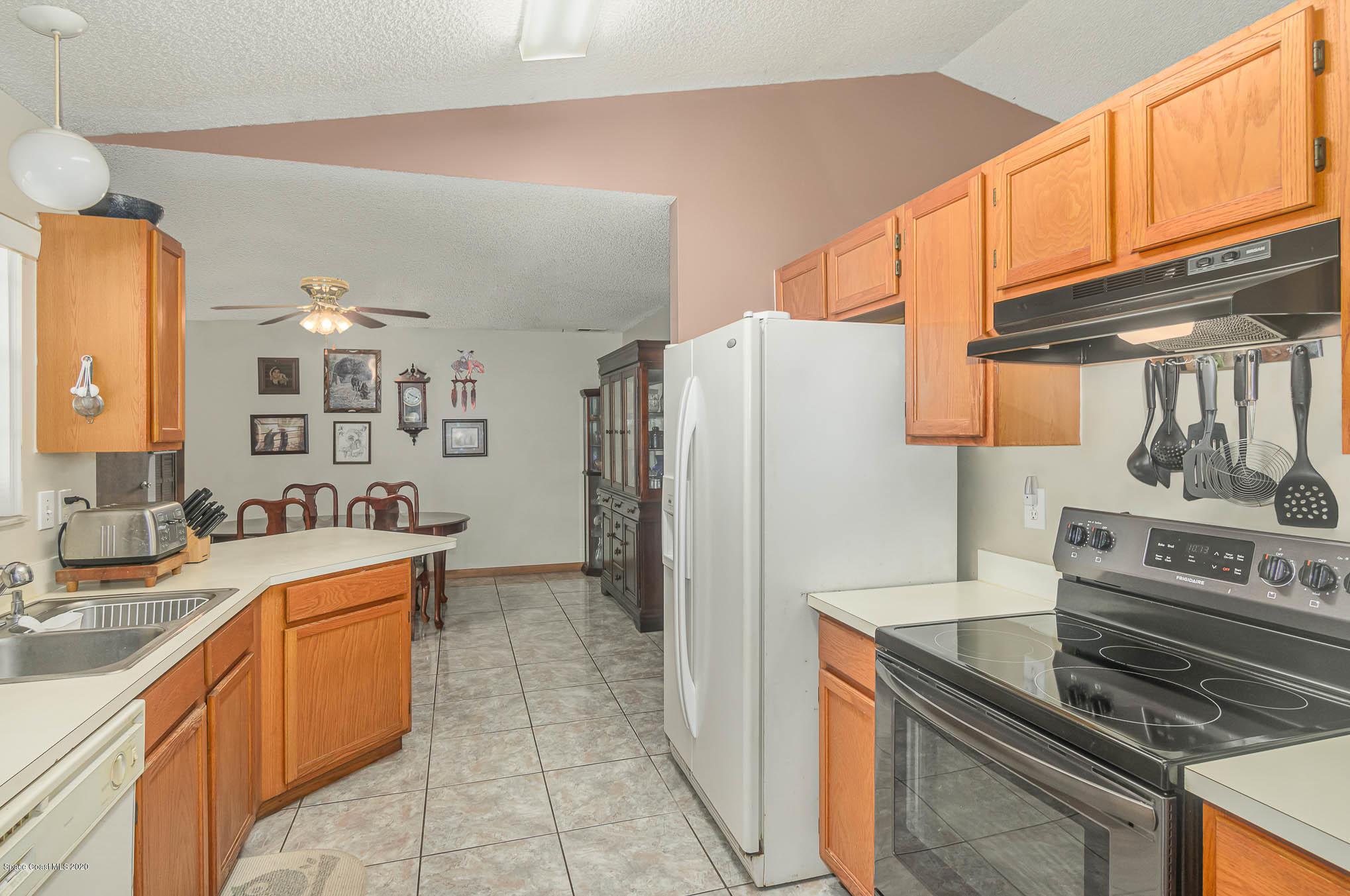 Image 6 For 6430 Addax Avenue