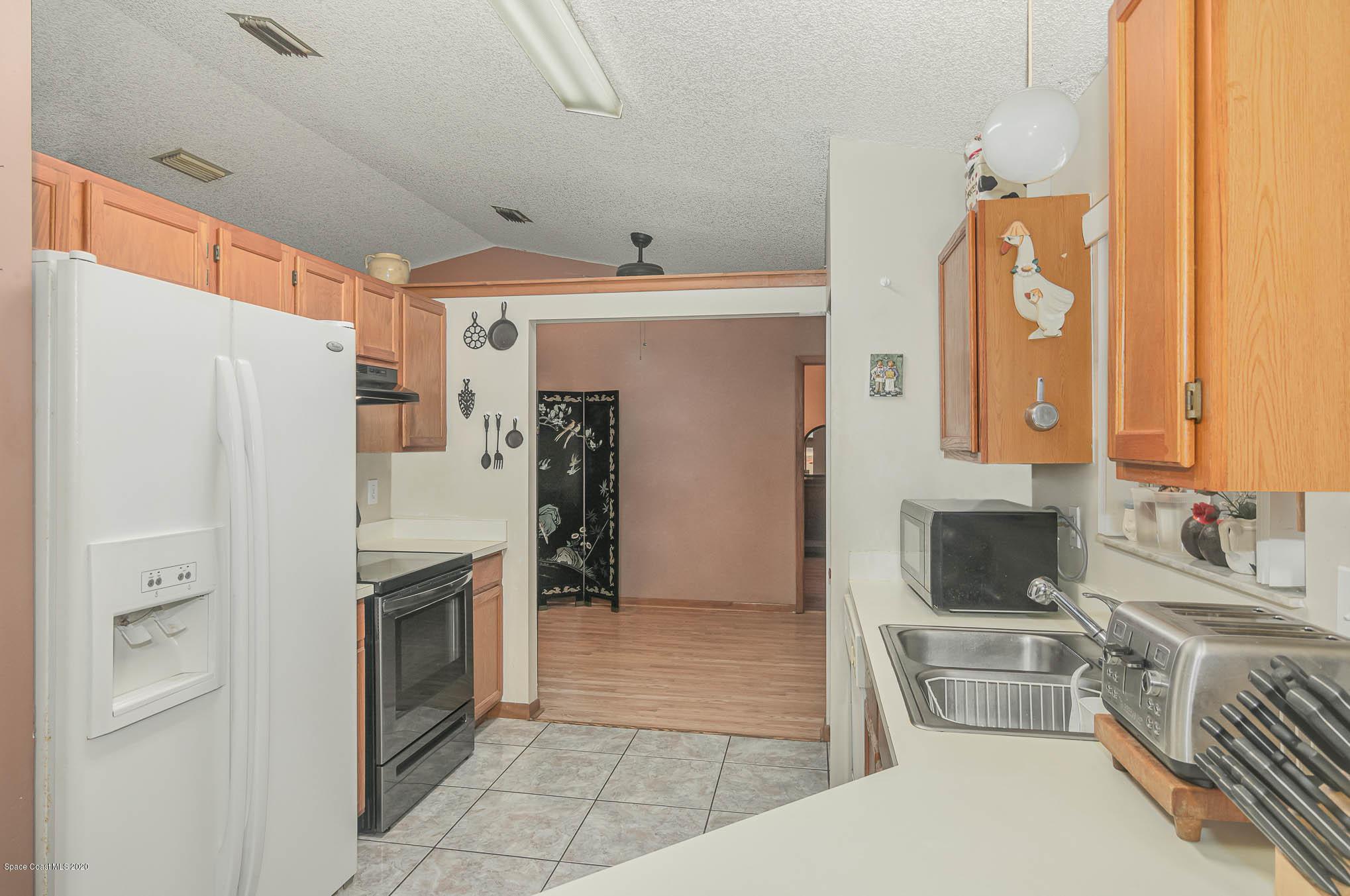 Image 8 For 6430 Addax Avenue