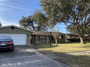 1670 W Carriage Drive, Titusville, FL 32796