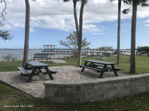 110 S TWIN LAKES ROAD, COCOA, FL 32926  Photo