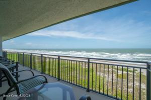 1 of 3 Oceanfront Balconies