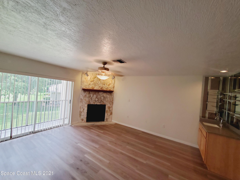 1600 Woodland Drive 8215