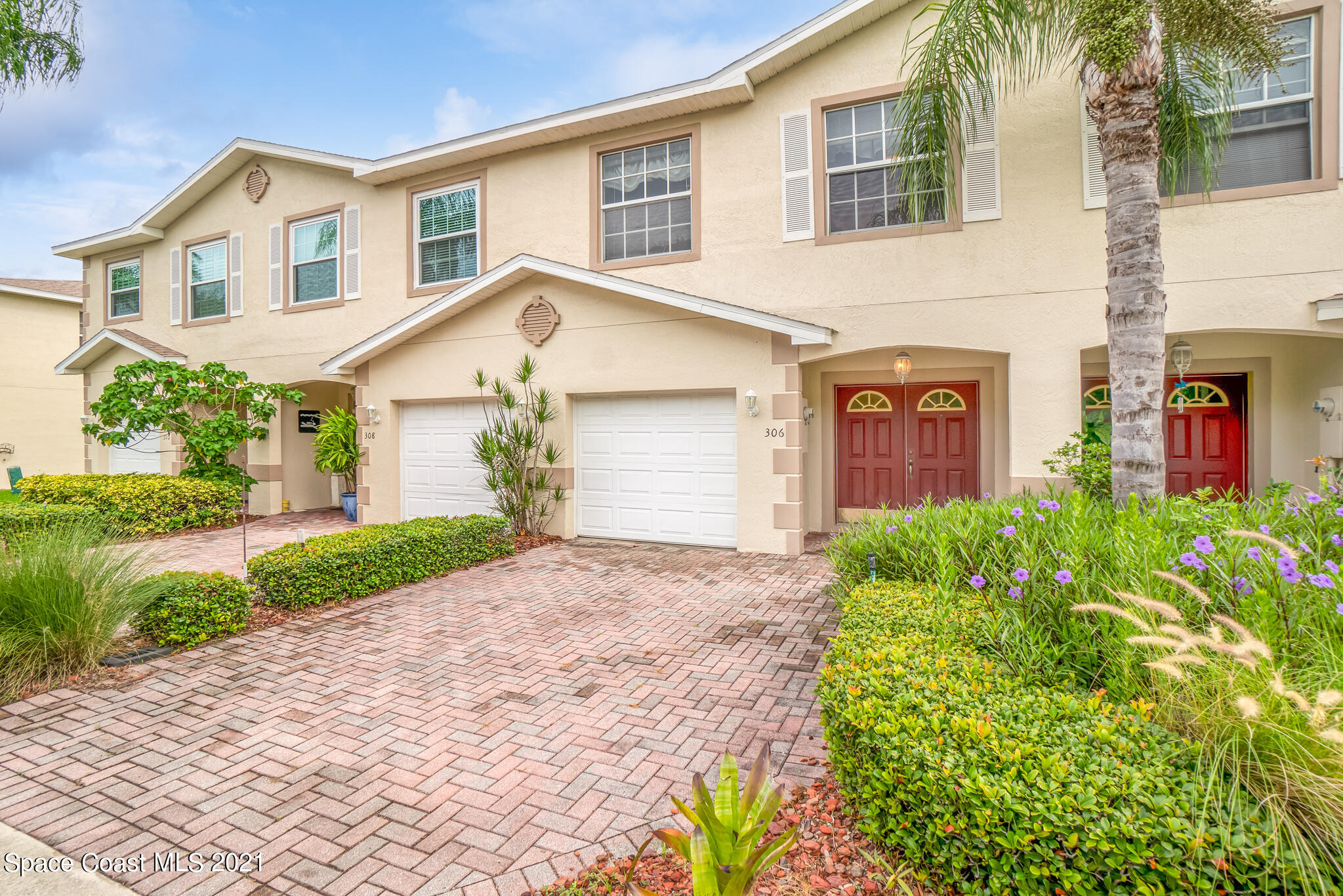 Tucked into a quiet neighborhood that sits next to a nature preserve and with private access to the Banana River, this 3 Bed, 2.5 Bath townhome with 1 car attached garage is the perfect space for a full time residence or vacation home. High ceilings and an open floor plan make for a perfect entertaining setting. Primary suite features a large bathroom with a walk-in shower, tub, double sinks, walk-in closet, & a spacious balcony overlooking the peaceful backyard. Direct river access, you can walk your paddleboard or kayak down the community's boardwalk and drop them in the water or enjoy an afternoon dip in the community pool. Secluded location yet just blocks to the ocean and Port Canaveral. Don't miss this opportunity, call for a showing today!