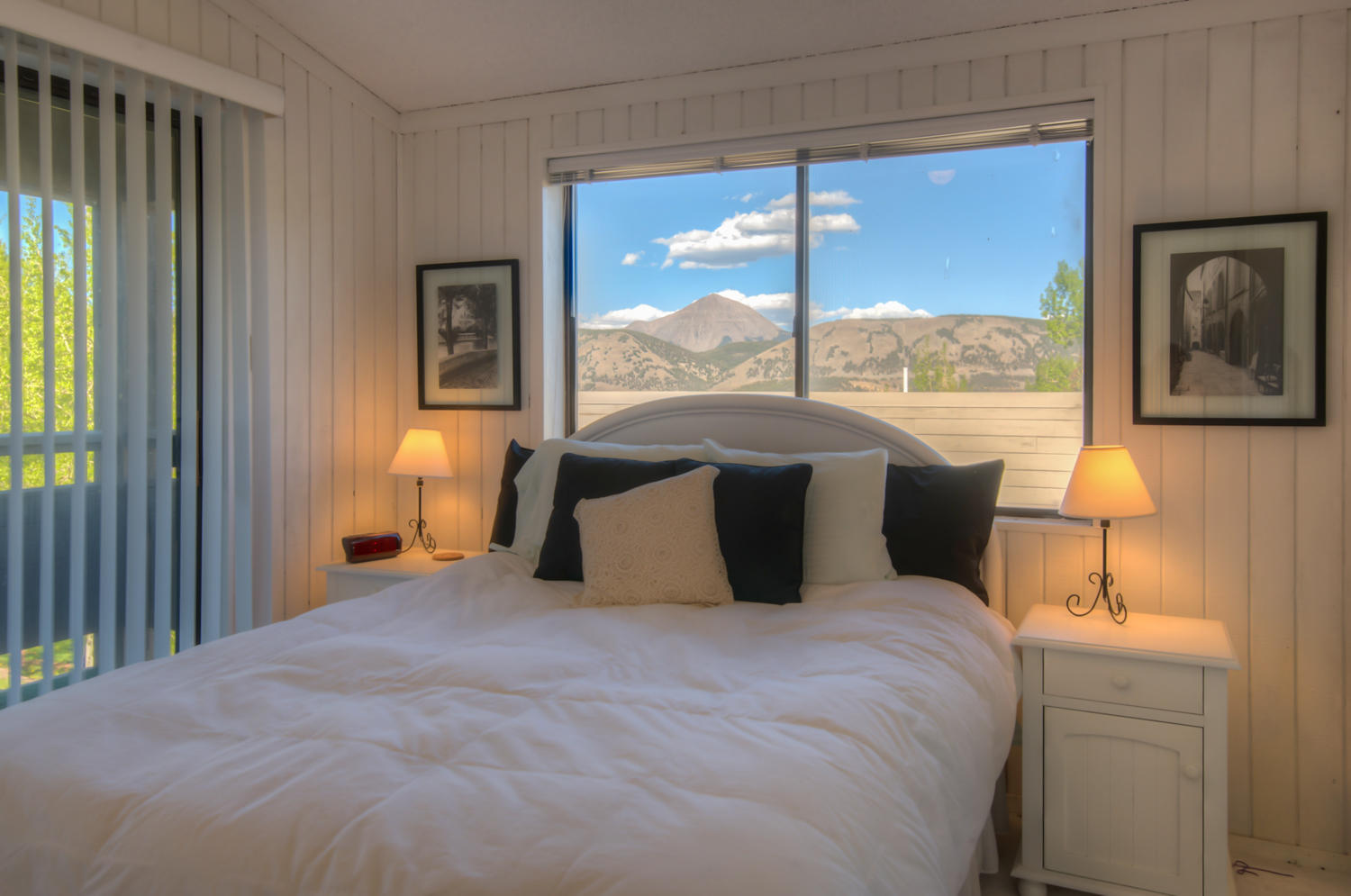 Aspen White Painted Bedroom Diy Upper Level Aspen Leaf Condo Unit 46 Has Spectacular Views And Great Parking This Condo Has Brand New Floorings And Fresh White Paint Throughout Etsy Search Tlc Real Estate Inc