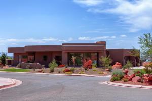186 N Desert LN, Ivins, UT 84738