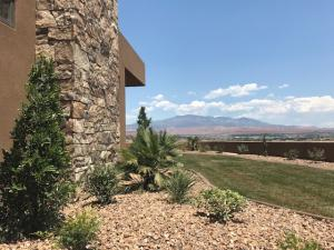 Sandatlas (Stone Cliff) DR, Lot #1104, St George, UT 84790