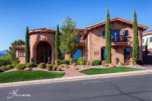 1260 W Lions Head DR, Washington, UT 84780