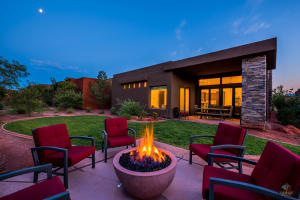 This home and yard will not disappoint -- enjoy the moon, stars, desert sky and fire pit -- the sky is the limit!
