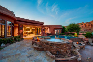 This home is located in The Cliffs, a sought after area where residents, if they choose to, may become a member of the Entrada CC, a Johnny Miller Signature Design GC.