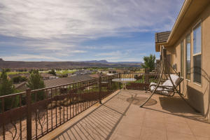 Large Deck with breathtaking and unblockable views!
