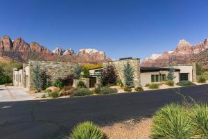 1203 Canyon Springs RD, Springdale, UT 84767