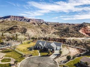 Gorgeous Views, Secluded Yard and Hiking trails right out your back door!