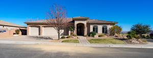 1446 Parkstone RD W, Washington, UT 84780