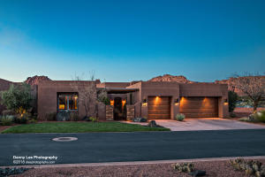 This home sits on a stunning lot for views towards Red Mountain, Tuacahn, Snow Canyon, Johnson Canyon, wrapping around to Kachina Cliffs.