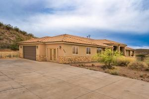 989 W 3270 Cliffs DR, Hurricane, UT 84737