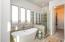 Master bath tub/shower