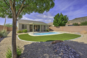 Private Yard, Salt Water Pool, North Facing Backyard for pleasant Summers