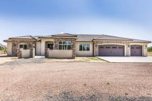 912 N Old Farms RD, Dammeron Valley, UT 84783