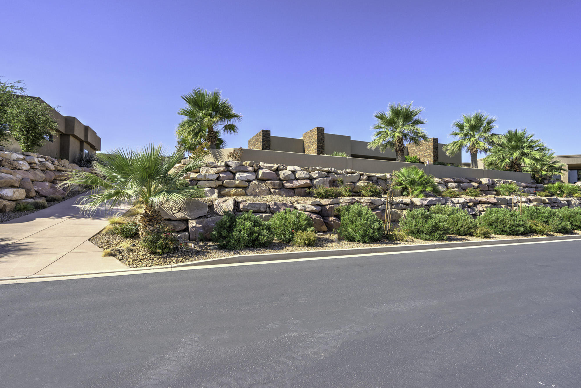 2002 Stone Canyon Dr, St George Ut 84790