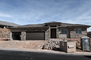 383 S Leoni Way, Washington, UT 84780