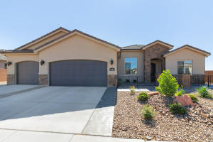 1882 N Park Grove DR, Washington, UT 84780