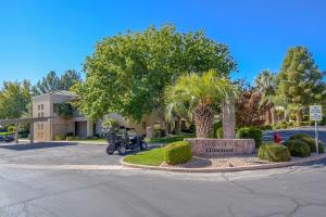 225 N Country LN, #104, St George, UT 84770