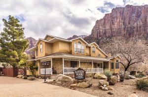 29 Canyon View DR, Springdale, UT 84767