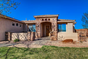 1734 S 20 E, Washington, UT 84780