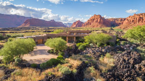 Located in the sought after area of Entrada CC, a Johnny Miller Signature Golf Course.