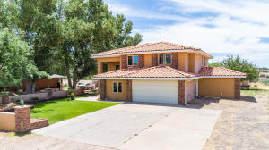 1453 W Diamond Valley DR, St George, UT 84770