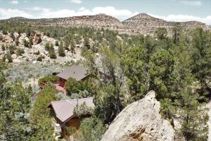 4580 West St. Highway 12, Escalante, UT 84726