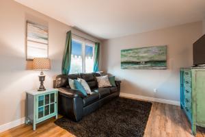Living Room - Queen Sofa Sleeper