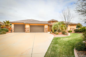 1074 W Waverley ST, Washington, UT 84780
