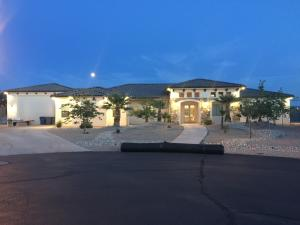 266 E Swallowtail LN, Washington, UT 84780