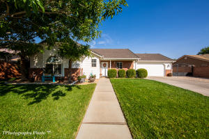 1123 Red River RD, Washington, UT 84780