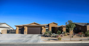 274 N Black Canyon Ave, Washington, UT 84780