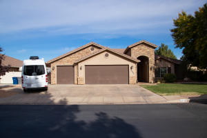 2405 Mountain Ledge DR, St George, UT 84790