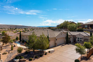 2037 W River Of Fortune DR, St George, UT 84790
