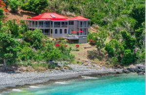 ON the ROCKS. Klein Bay BEACHFRONT villa, end of the road location. You may find yourself never wanting to leave this property!