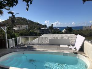 Refreshing pool at Frank Bay Cottage