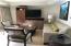 Stylish new furnishings in Unit 4314.
