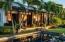 Elegant tropical setting